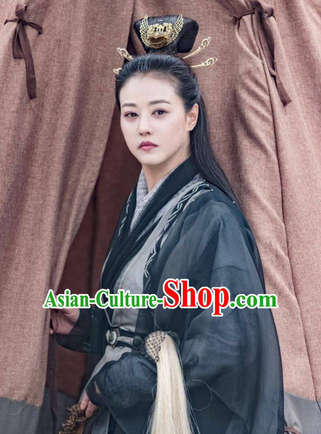 Chinese Ancient Taoist Nun Swordswoman Relying on Heaven to Slaughter Dragons Hanfu Dress and Headpiece for Women