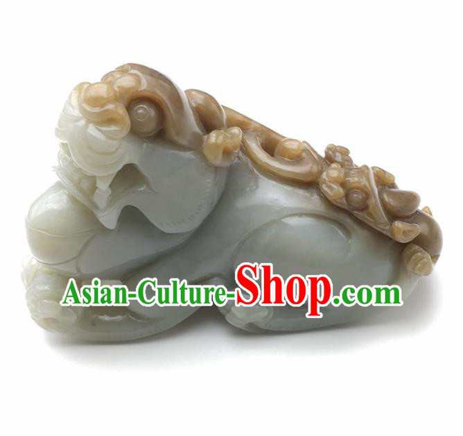 Chinese Handmade Jade Craft Carving Pi Xiu Jade Jewelry Accessories Jade Decoration