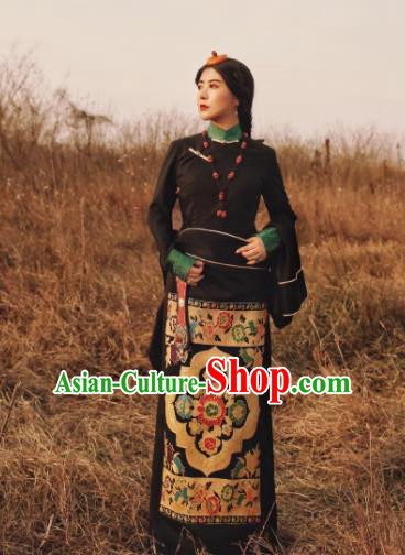 Chinese Traditional Black Tibetan Robe Zang Nationality Female Dress Ethnic Costume for Women
