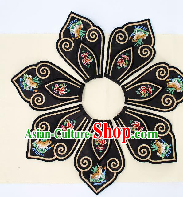 Chinese Ancient Qing Dynasty Princess Embroidery Frog Black Shoulder Cappa Traditional Embroidered Craft for Women