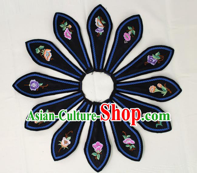Chinese Ancient Qing Dynasty Princess Embroidered Black Shoulder Cappa Traditional Embroidery Appliqu Craft for Women